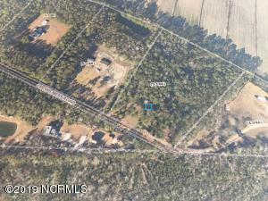 307 Crows Nest Road, Beaufort, NC 28516
