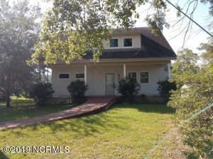 501 Church Street, Oriental, NC 28571