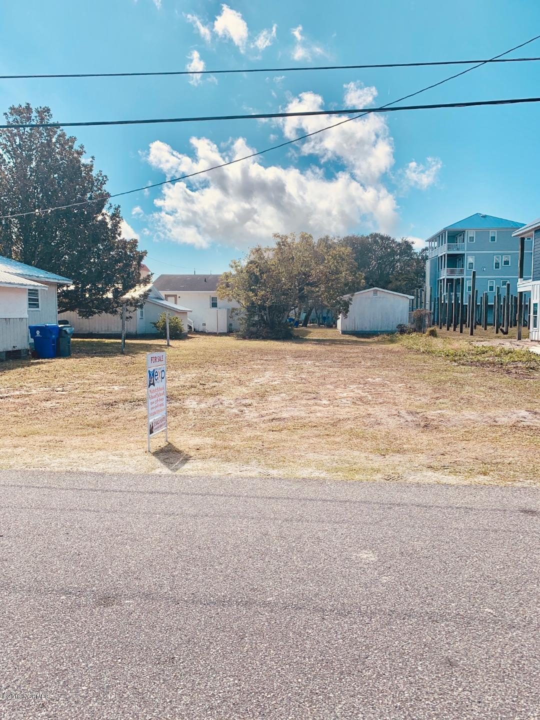 203 S Carolina Avenue Carolina Beach, NC 28428