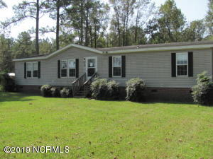 618 Ai Taylor Road, Richlands, NC 28574