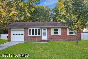 102 Pineview Road, Jacksonville, NC 28546