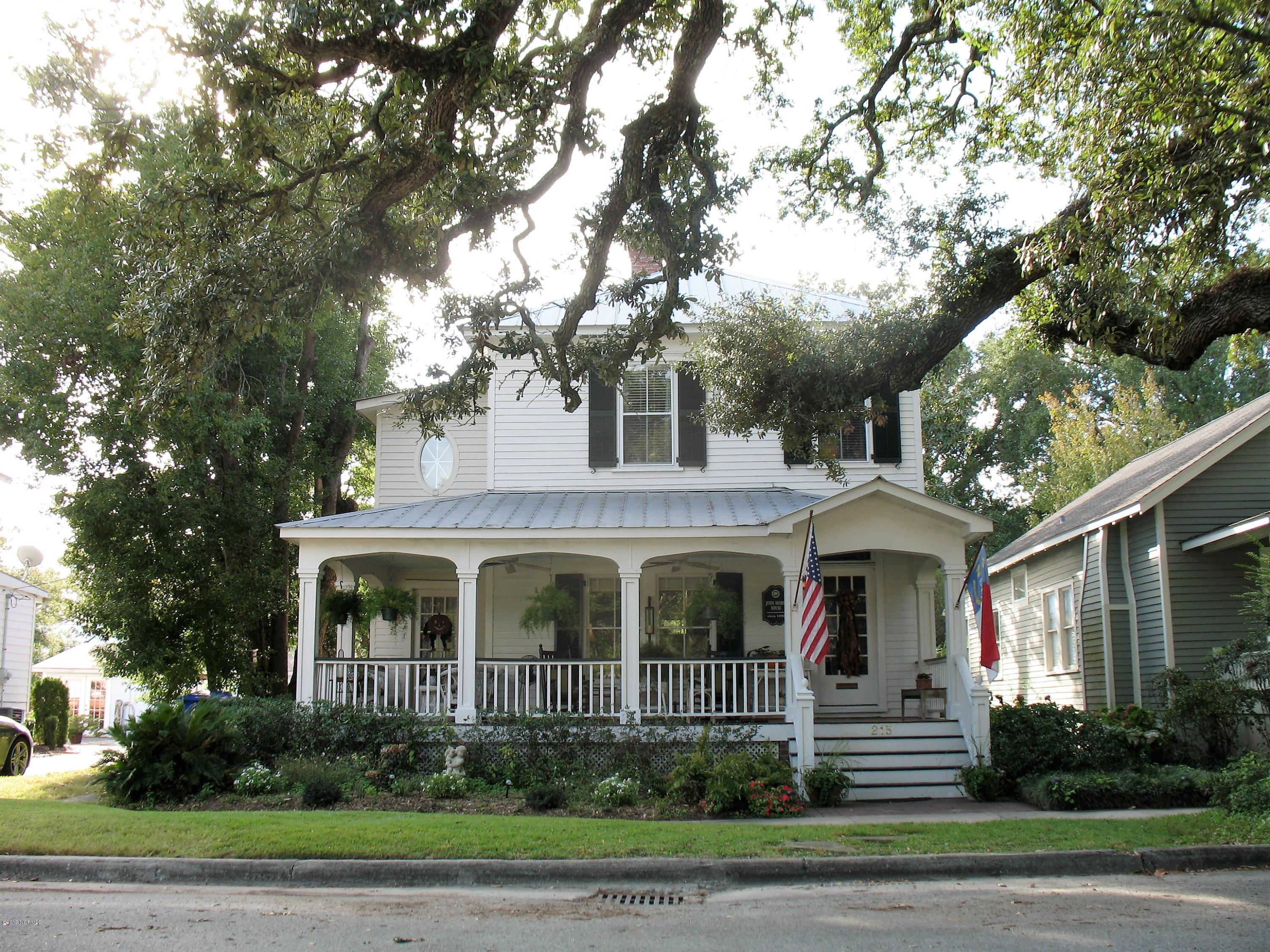 215 N Caswell Avenue Southport, NC 28461