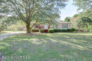 520 Groves Point Drive, Hampstead, NC 28443