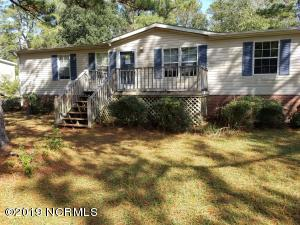 537 Groves Point Drive, Hampstead, NC 28443