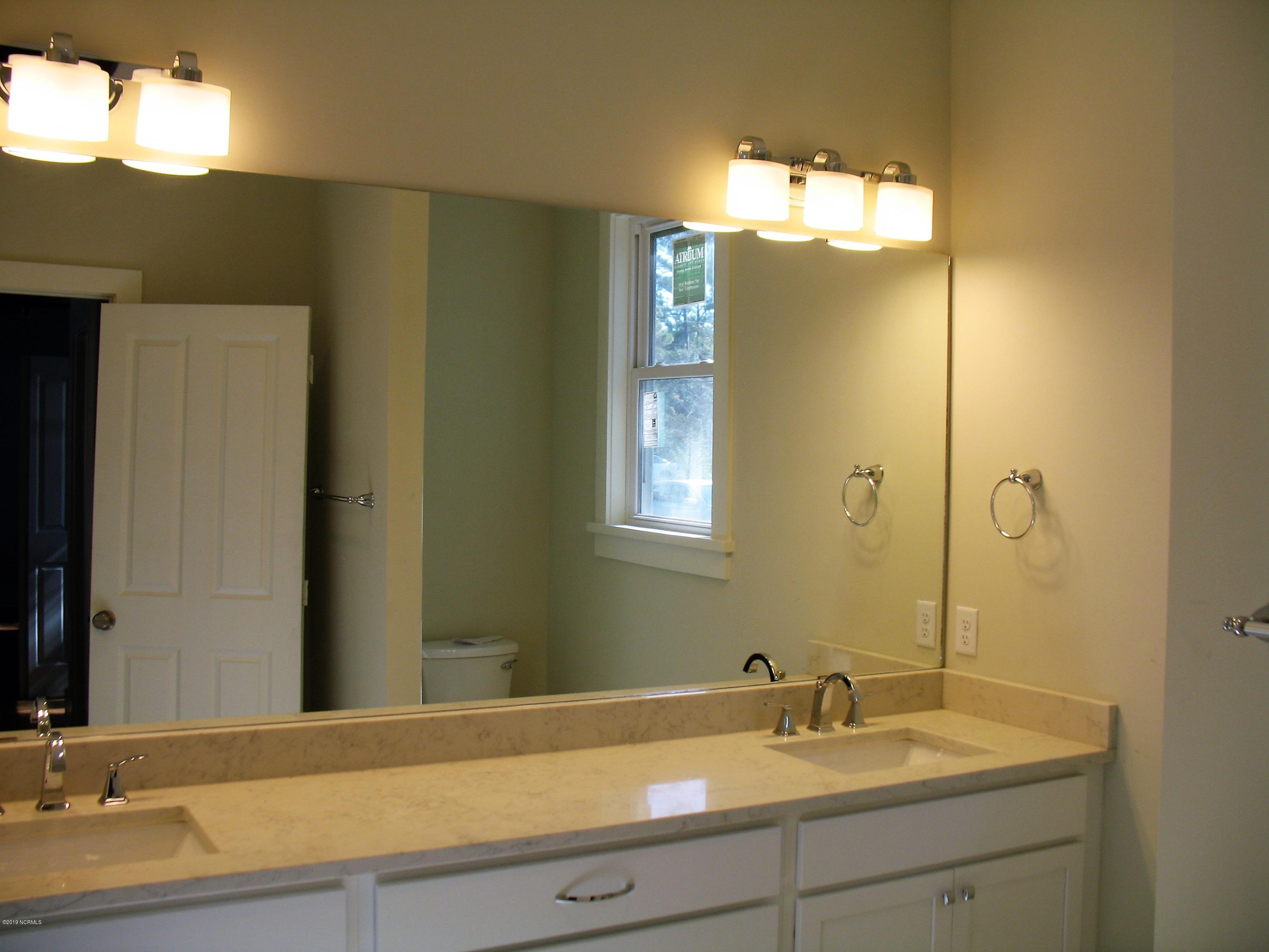 1104 N Caswell Avenue Southport, NC 28461