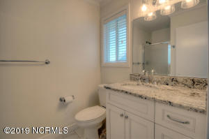 19 E Atlanta St-large-017-18-Bathroom-15