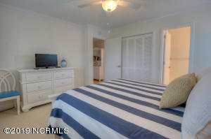19 E Atlanta St-large-018-6-Bedroom-1500