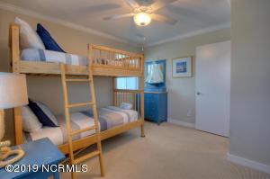 19 E Atlanta St-large-033-45-Bedroom-150