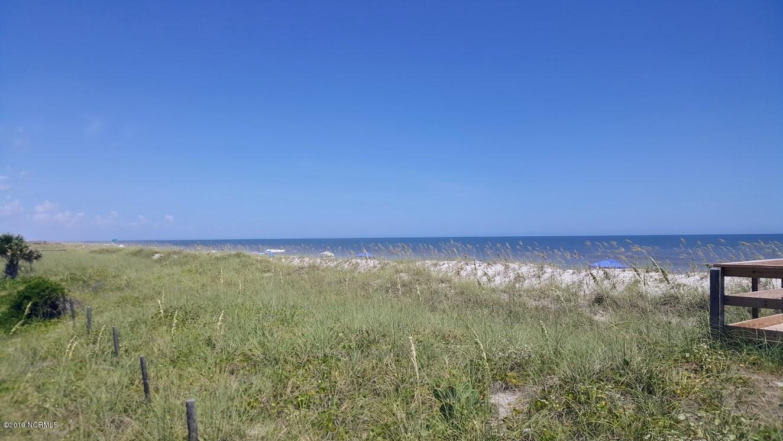 128 Lighthouse Drive Carolina Beach, NC 28428