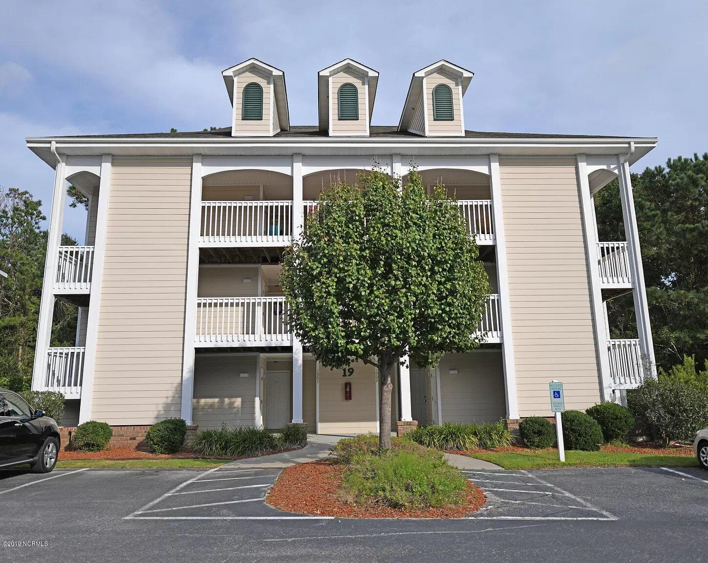 3350 Club Villa Drive UNIT 1901 Southport, NC 28461