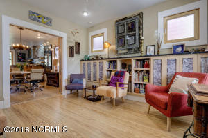 1919 Wrightsville Ave-large-007-18-59 60