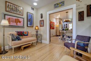1919 Wrightsville Ave-large-008-9-66 67