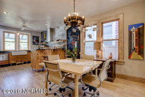1919 Wrightsville Ave-large-011-7-87 88