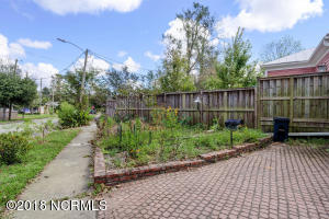 1919 Wrightsville Ave-large-024-20-85 86