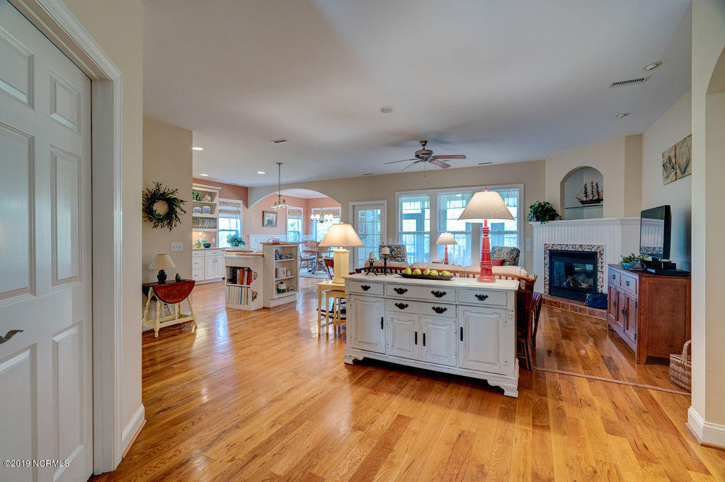 3792 Club Cottage Drive Southport, NC 28461