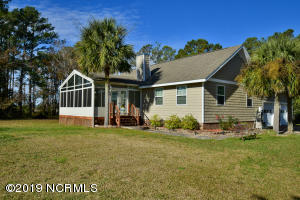 437 Tuttles Grove Road, Beaufort, NC 28516