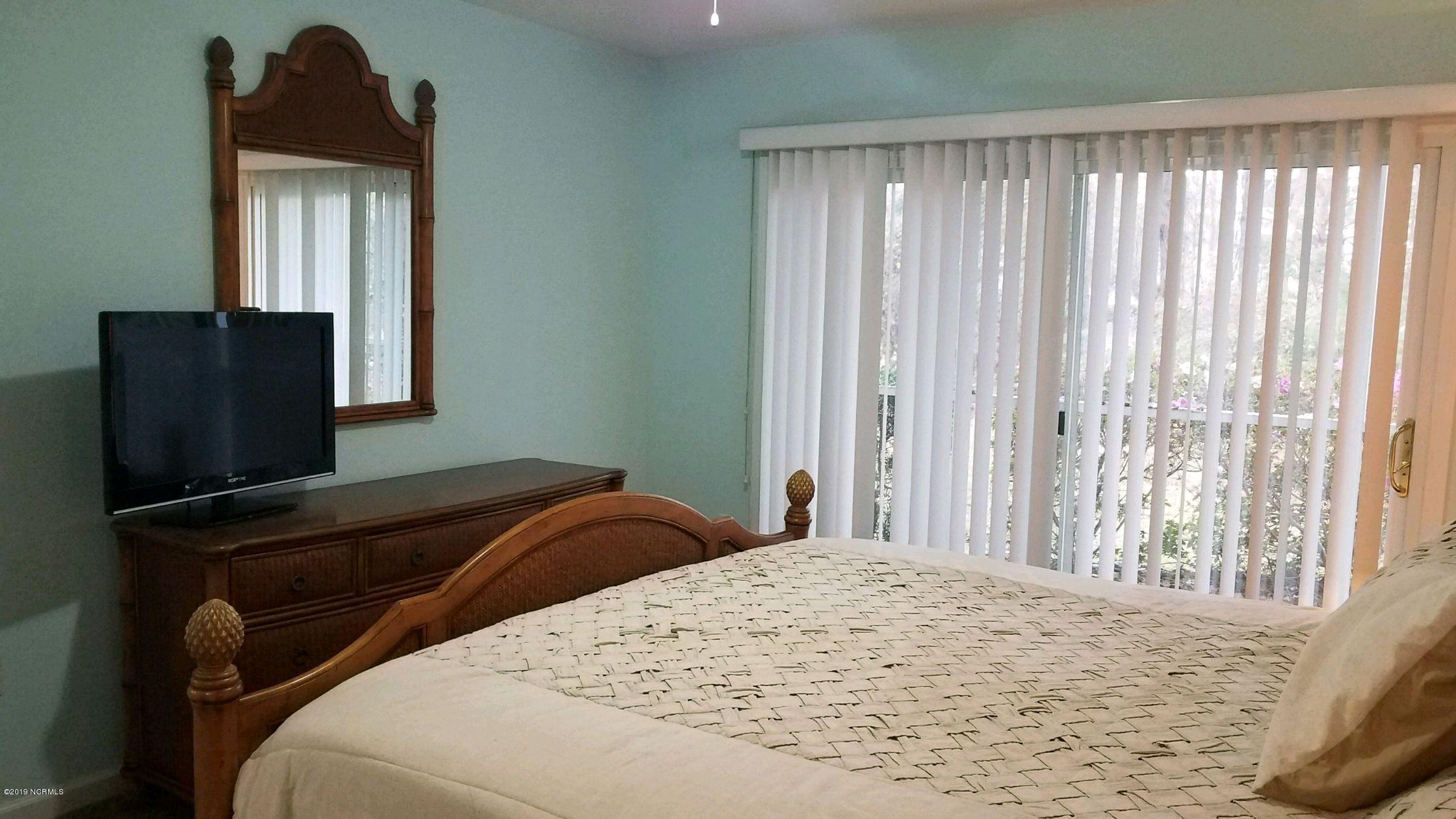 3350 Club Villa Drive Southport, NC 28461