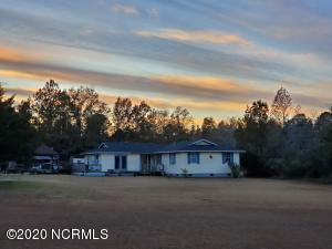 755 Nine Mile Road, Richlands, NC 28574