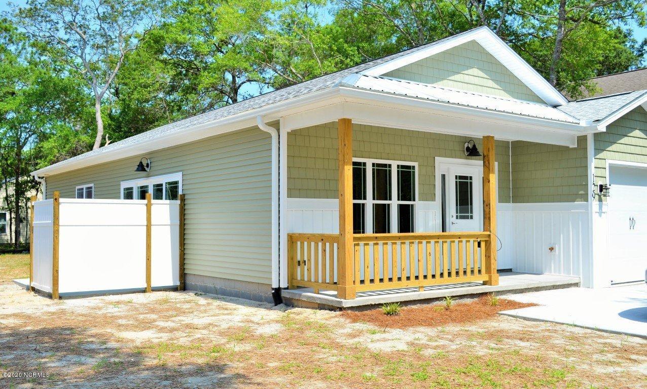 506 W Oak Island Drive Oak Island, NC 28465