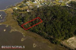 2216 Country Club Road, Morehead City, NC 28557