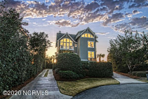 6 Clamdigger Point Road, Wilmington, NC 28411