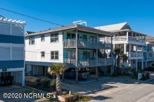 18 E Henderson Street, Wrightsville Beach, NC 28480