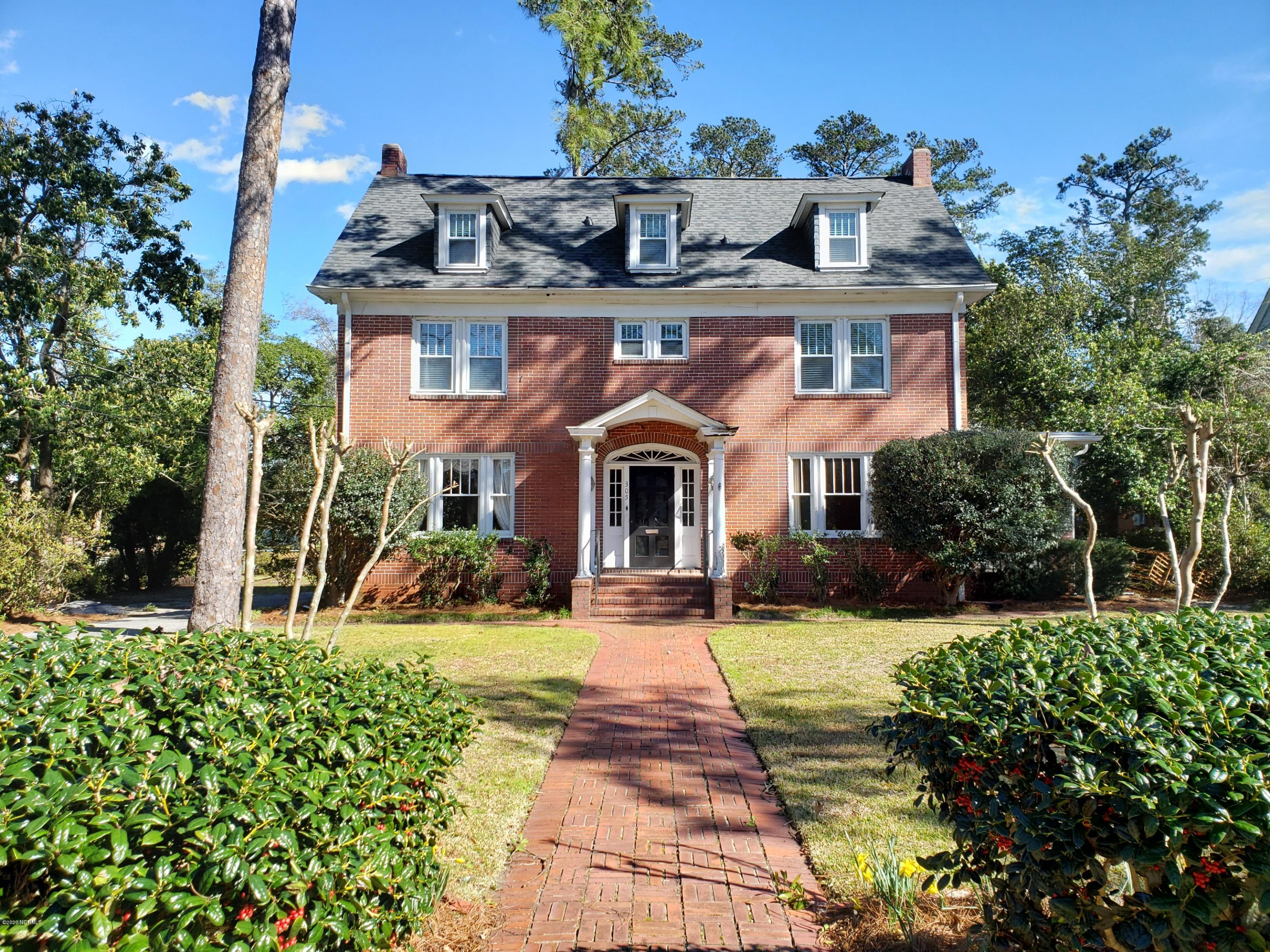 305 Forest Hills Drive Wilmington, NC 28403