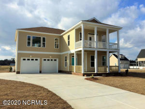 1305 Barnacle Lane, Morehead City, NC 28557