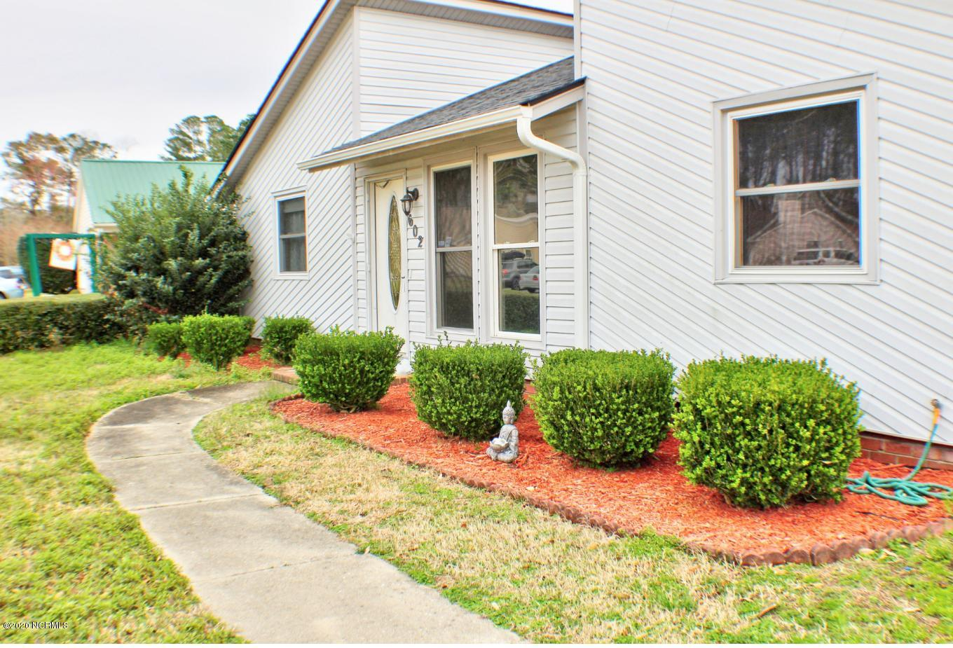 602 Crissy Drive, Jacksonville, North Carolina 28540, 3 Bedrooms Bedrooms, ,2 BathroomsBathrooms,Residential,For Sale,Crissy,100205377