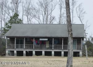 147 Elnora Jones Road, Beaufort, NC 28516