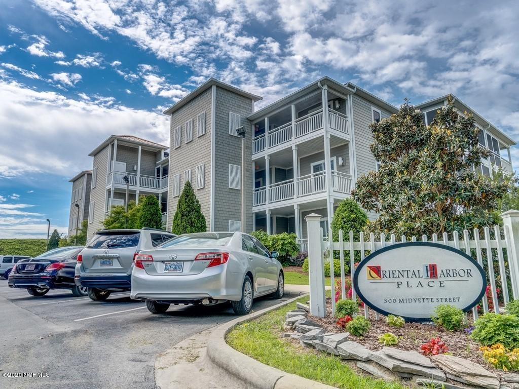 Property for sale at 300 Midyette Street Unit: B-11, Oriental,  North Carolina 28571