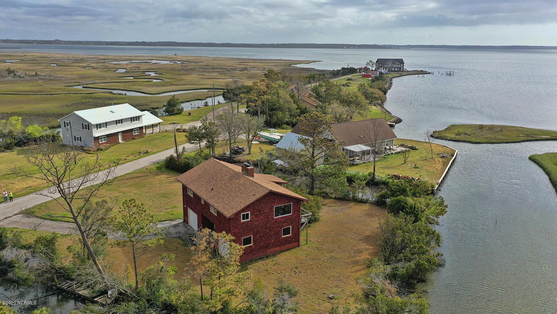 108 River Drive, Beaufort, North Carolina 28516, 2 Bedrooms Bedrooms, ,2 BathroomsBathrooms,Residential,For Sale,River,100231677
