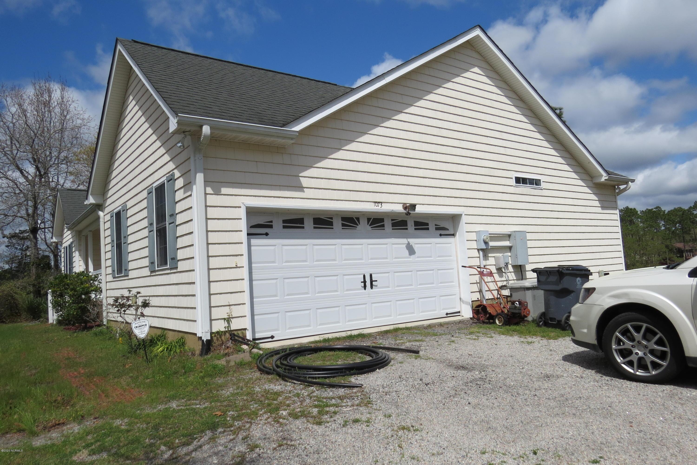 1073 Grant Circle Southport, NC 28461