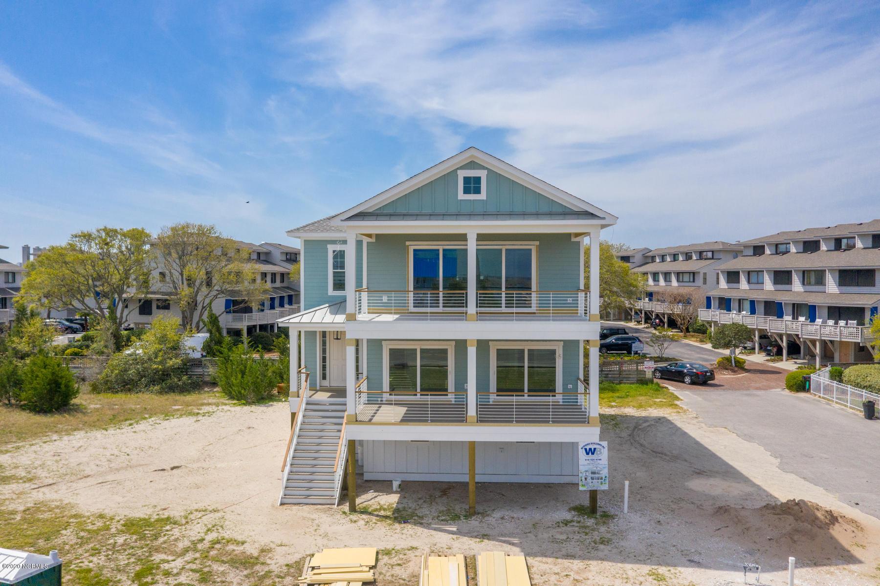 105 W Salisbury Street Wrightsville Beach, NC 28480