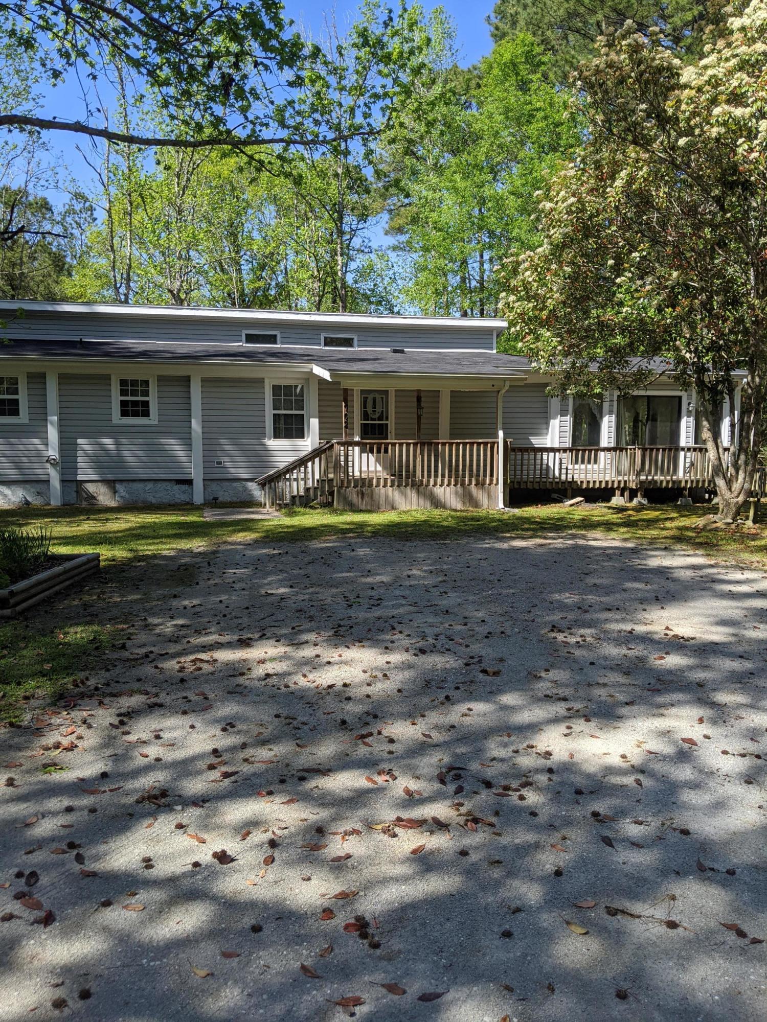 702 Swansboro Loop Road, Swansboro, North Carolina 28584, 3 Bedrooms Bedrooms, ,2 BathroomsBathrooms,Residential,For Sale,Swansboro Loop,100213385