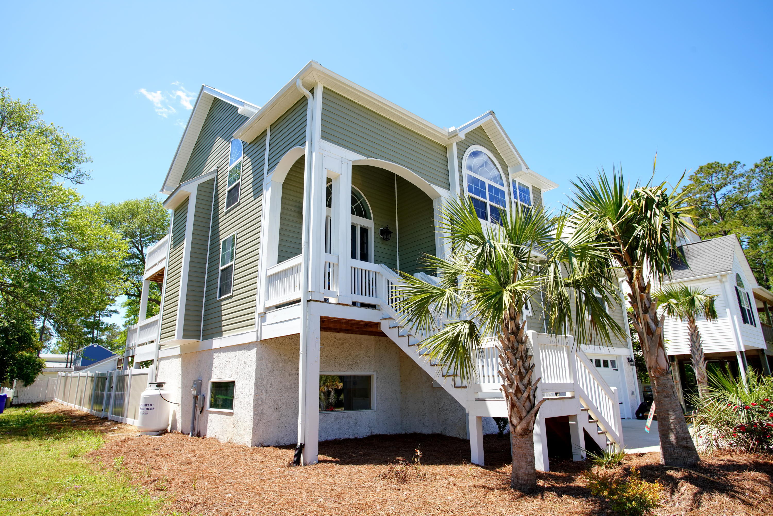 4303 Yacht Drive, Oak Island, North Carolina 28465, 3 Bedrooms Bedrooms, ,2 BathroomsBathrooms,Residential,For Sale,Yacht,100215093