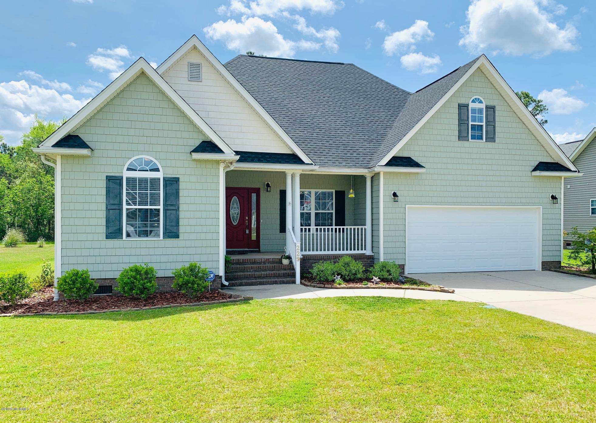 229 Wedgefield Circle, Maple Hill, North Carolina 28454, 3 Bedrooms Bedrooms, ,2 BathroomsBathrooms,Residential,For Sale,Wedgefield,100215439