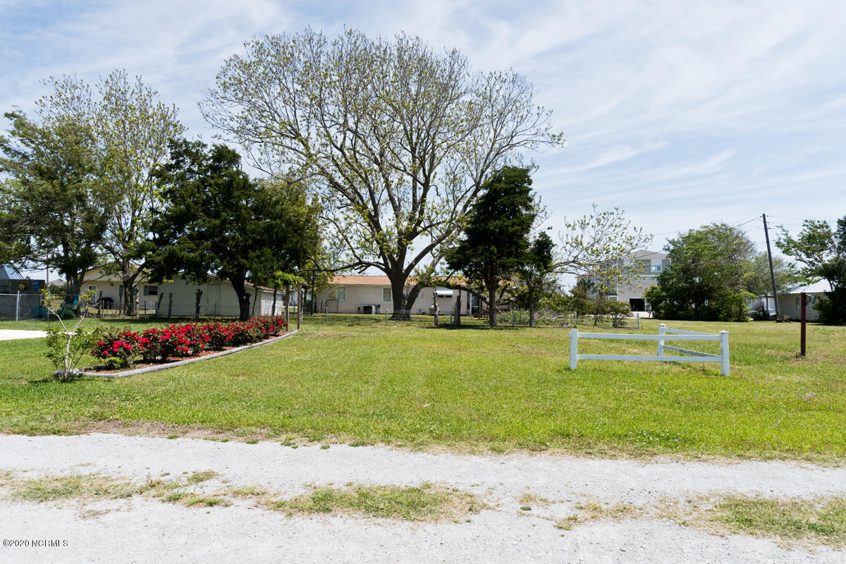 126 Inlet Lane, Cedar Point, North Carolina 28584, 4 Bedrooms Bedrooms, ,2 BathroomsBathrooms,Residential,For Sale,Inlet,100215410