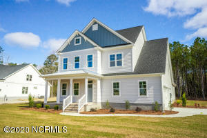 758 Crown Pointe Drive, Hampstead, NC 28443