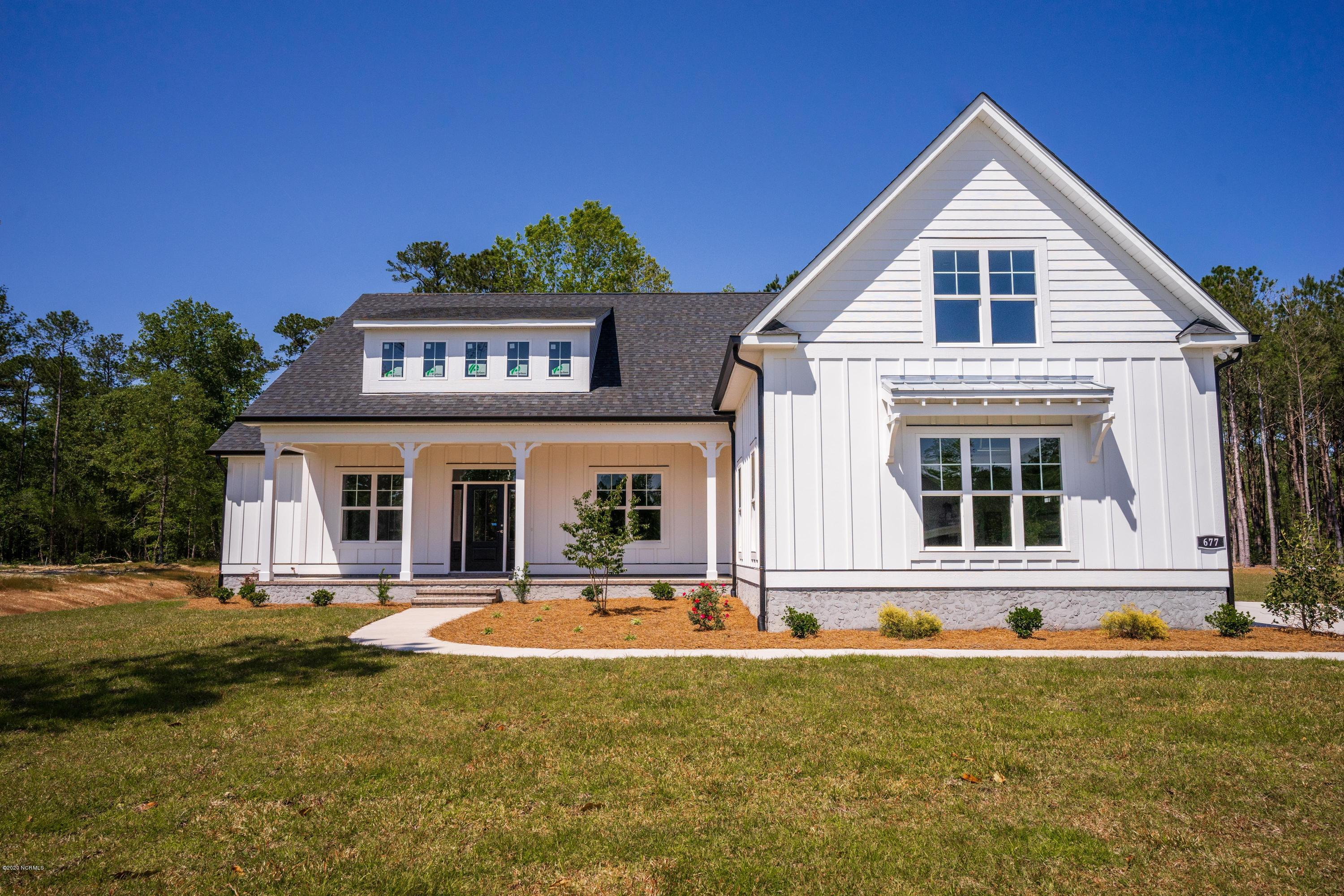 462 Crown Pointe Drive, Hampstead, North Carolina 28443, 4 Bedrooms Bedrooms, ,3 BathroomsBathrooms,Residential,For Sale,Crown Pointe,100217504