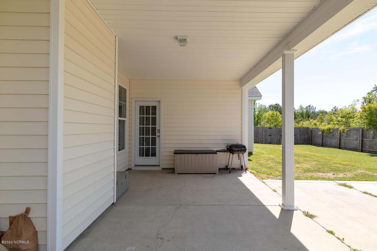 322 Sonoma Road, Jacksonville, North Carolina 28546, 4 Bedrooms Bedrooms, ,3 BathroomsBathrooms,Residential,For Sale,Sonoma,100217481