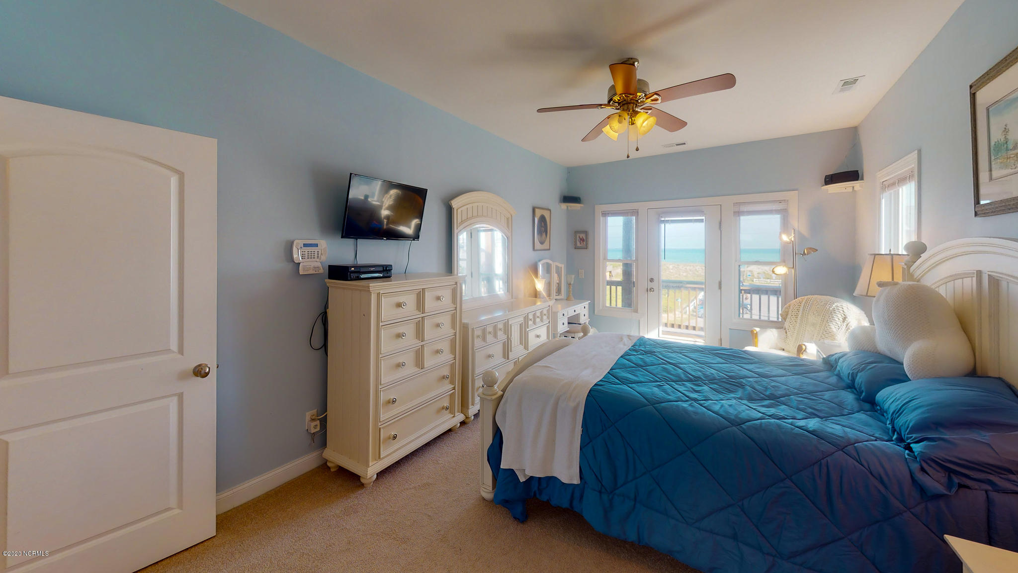 3779 Island Drive, North Topsail Beach, North Carolina 28460, 4 Bedrooms Bedrooms, ,3 BathroomsBathrooms,Residential,For Sale,Island,100217372
