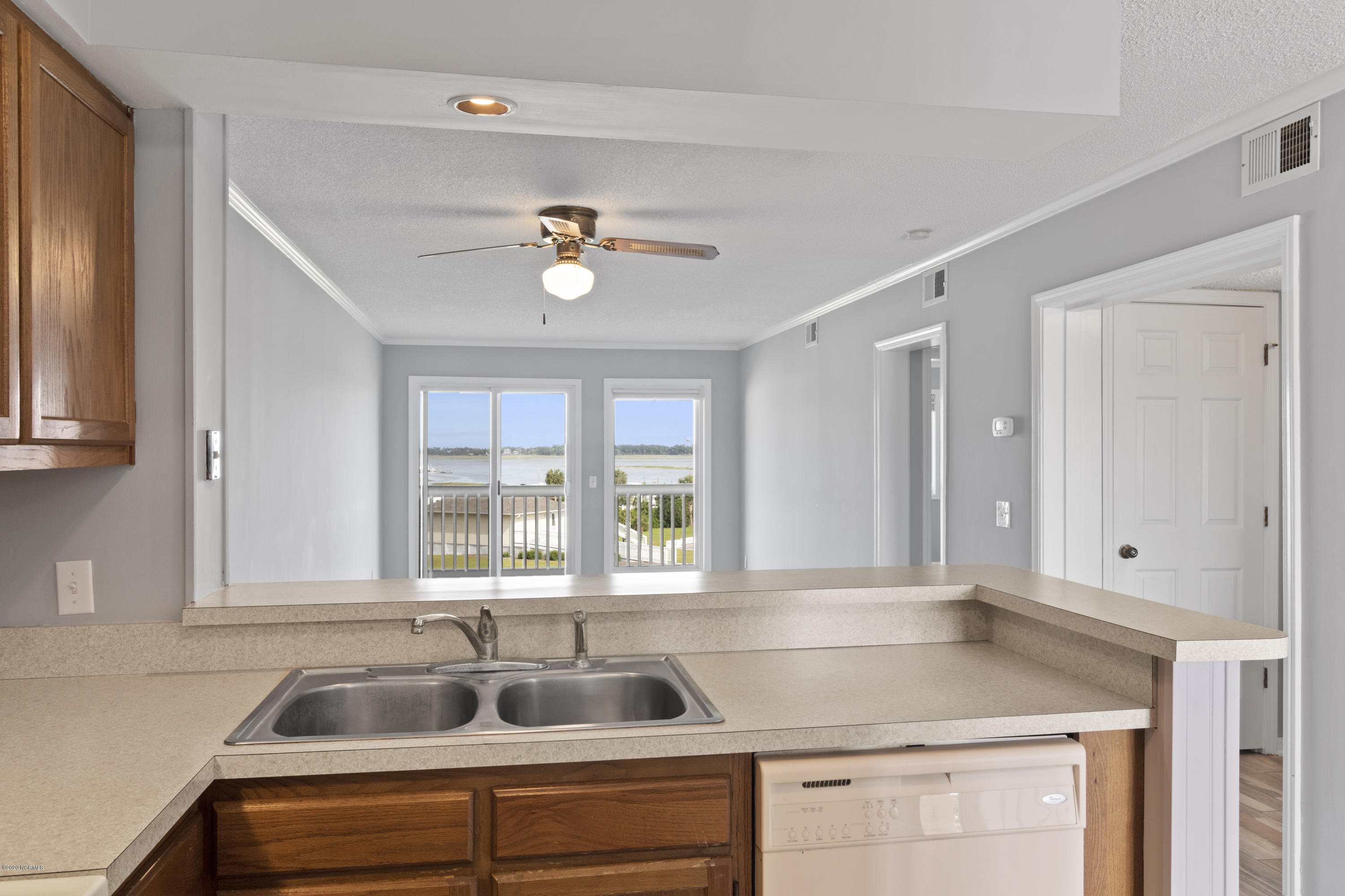 650 Cedar Point Boulevard, Cedar Point, North Carolina 28584, 2 Bedrooms Bedrooms, ,2 BathroomsBathrooms,Residential,For Sale,Cedar Point,100216868