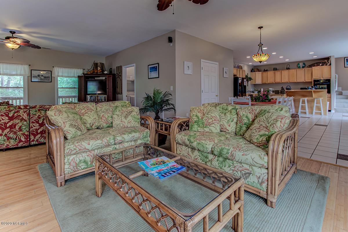 602 W Oak Island Drive UNIT W Oak Island, NC 28465
