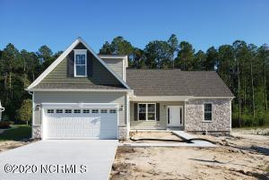 Welcome to 552 Stonehaven Court! You're going to love this low maintenance home.
