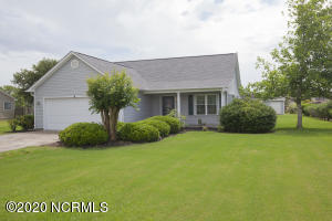 194 Lewis Road, Hampstead, NC 28443