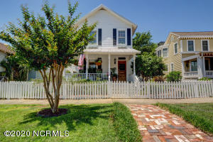 105 N Caswell Avenue, Southport, NC 28461