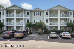 215 Valencia Court, 302, Wilmington, NC 28412