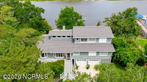2916 W Yacht Drive, Oak Island, NC 28465