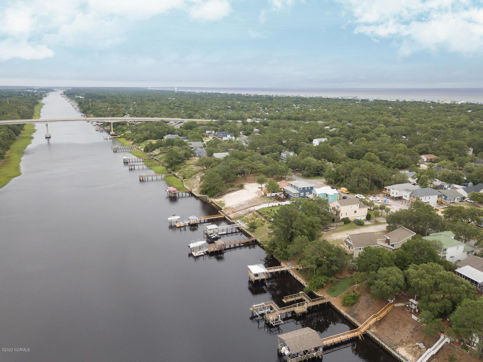 502 W Yacht Drive Oak Island, NC 28465